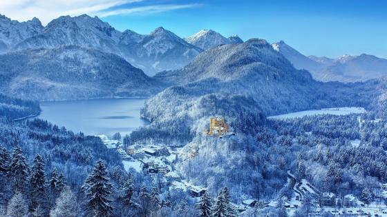 Hohenschwangau Castle in winter wallpaper