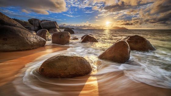 Sunset in Samudra Beach (Indonesia) wallpaper