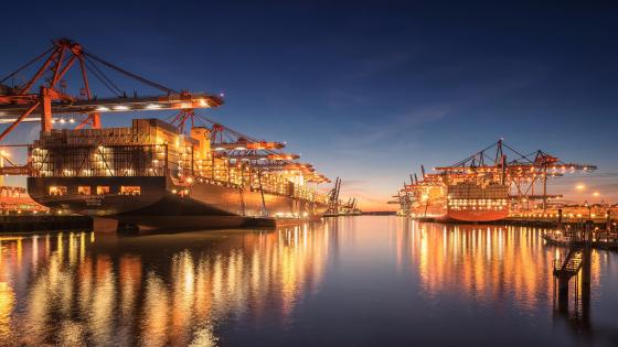Port of Hamburg at night wallpaper