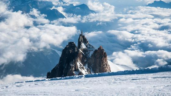 Aiguille du Midi in winter wallpaper