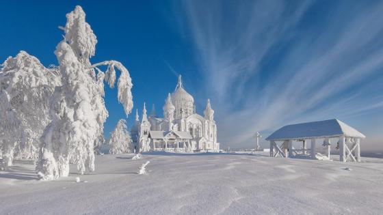 Frozen Magic - Belogorsky Monastery wallpaper