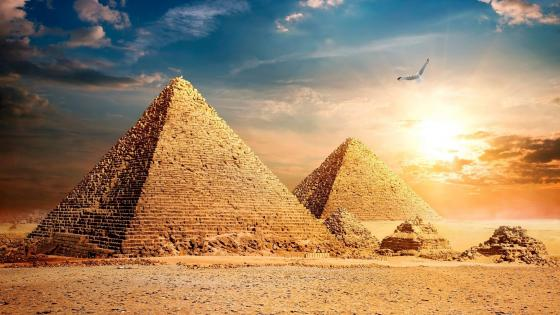 The Great Pyramid of Giza wallpaper