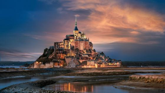 Mont Saint-Michel Castle at night wallpaper