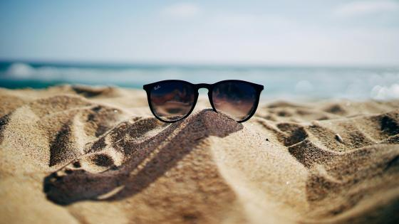 sunglass in beach wallpaper