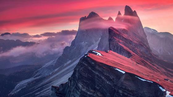 Dolomites Mountain Range of Italy (Puez-Odle Nature Park) wallpaper