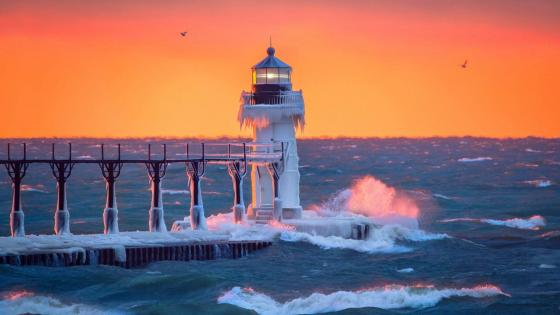St Joseph North Pier Lighthouse in the sunset wallpaper
