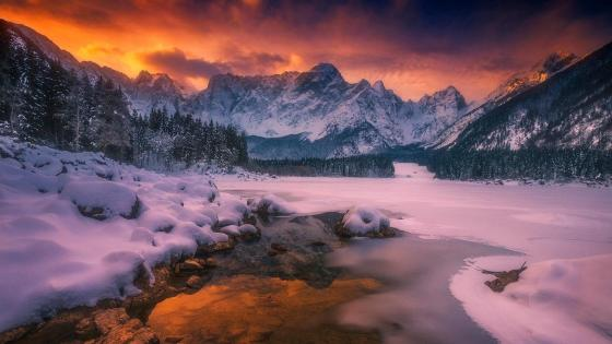 Frozen Lake Fusine wallpaper