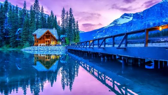 Restaurant at Emerald Lake - Yoho National Park, British Columbia wallpaper
