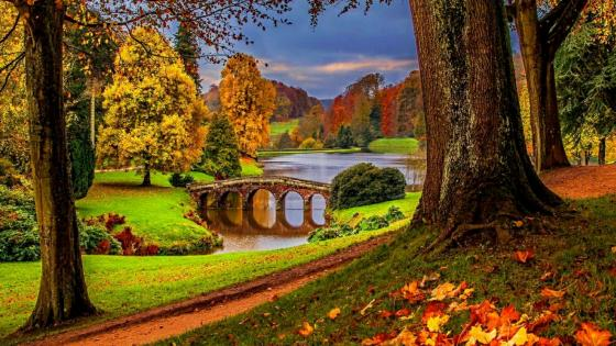 Stourhead Gardens - England wallpaper