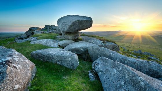 Kilmar Tor on Bodmin Moor in Cornwall wallpaper