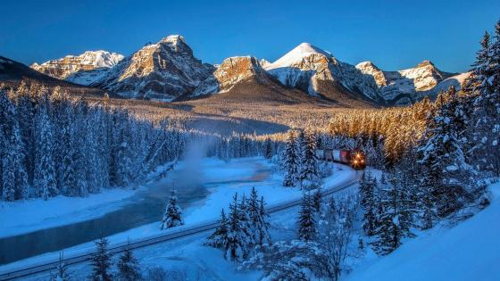 Train in Banff National Park wallpaper