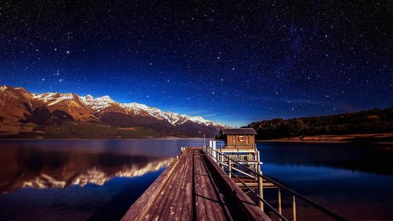 Footbridge in Lake Wakatipu, New Zealand wallpaper