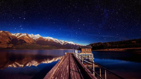 Footbridge in Lake Wakatipu, New Zealand wallpaper