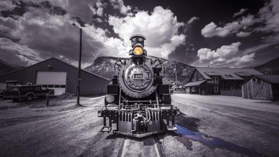 Locomotive - Monochrome photography wallpaper