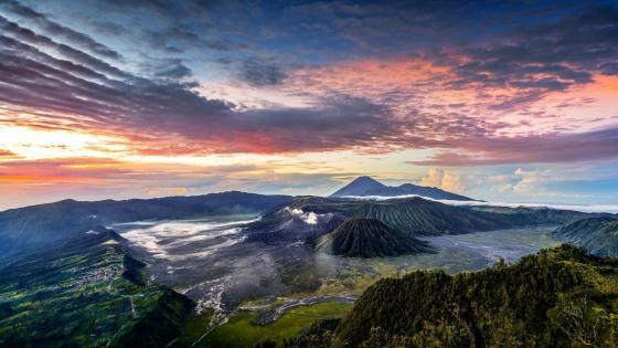 Mount Bromo - Bromo Tengger Semeru National Park wallpaper