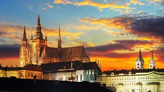 St. Vitus Cathedral ang Prague Castle in the sunset wallpaper