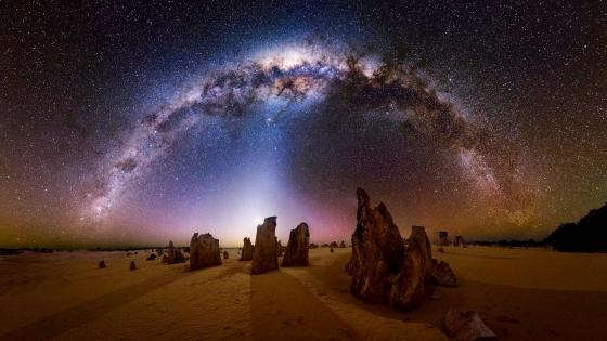 Milky Way over The Pinnacles desert, Nambung National Park, Australia wallpaper