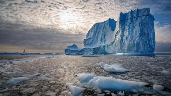 Iceberg in Greenland wallpaper
