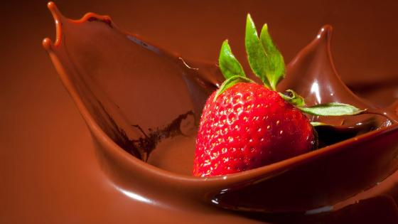Strawberry Meets Chocolate wallpaper
