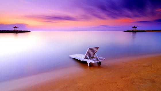 Sunbed on Sanur Beach (Bali) wallpaper