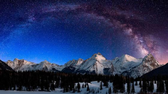 Snowy San Juan Mountains under the Milky Way wallpaper
