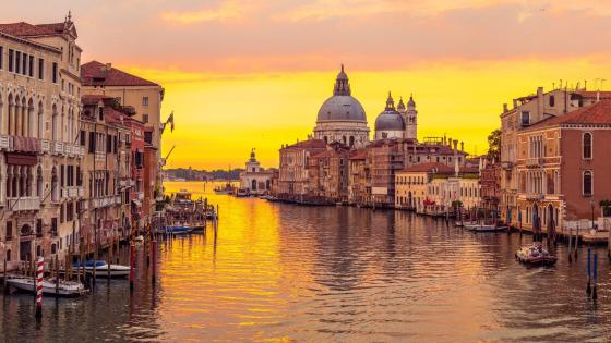 Grand Canal in the sunset (Venice, Italy) wallpaper