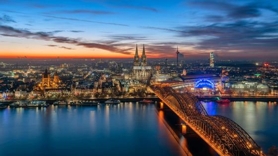 Sunset in Cologne, Germany wallpaper
