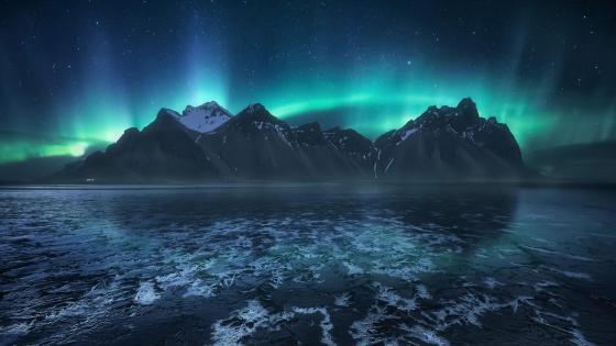 Icelandic Aurora Borealis wallpaper