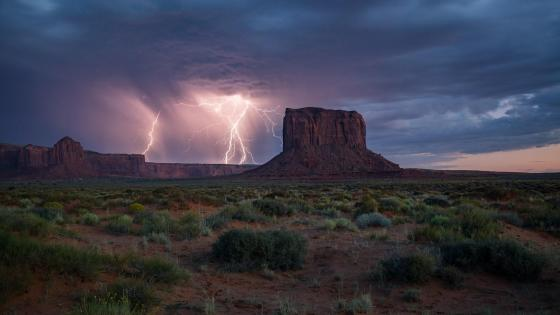Mitchell Butte - Monument Valley, Oljato wallpaper