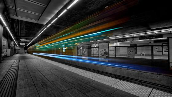 Colorful light trails wallpaper