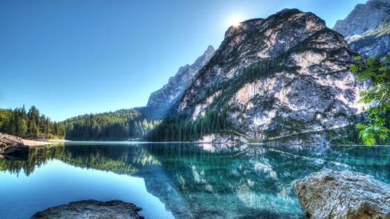 Pragser Wildsee reflection wallpaper