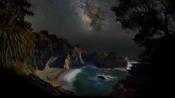 Milky Way over Big Sur, California wallpaper