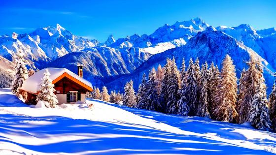 Little house in the mountains wallpaper