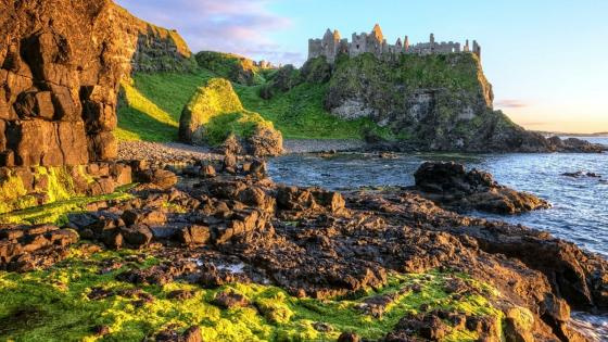 Dunluce Castle wallpaper