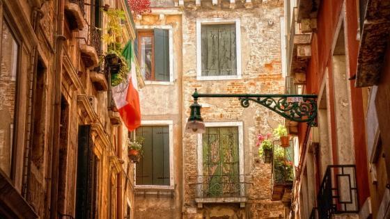 Street in Venice wallpaper