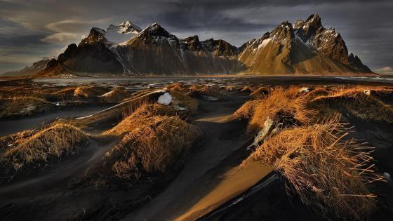 Vestrahorn Mountains from Stokksnes (Vatnajokull National Park, Iceland) wallpaper