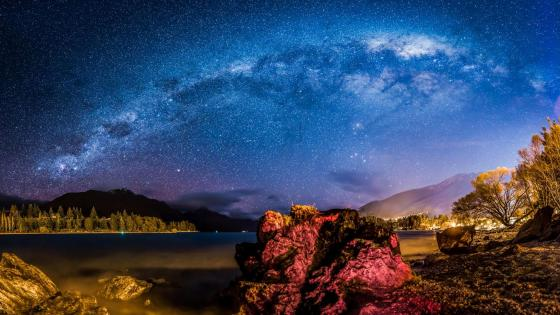 Milky Way over Queenstown wallpaper