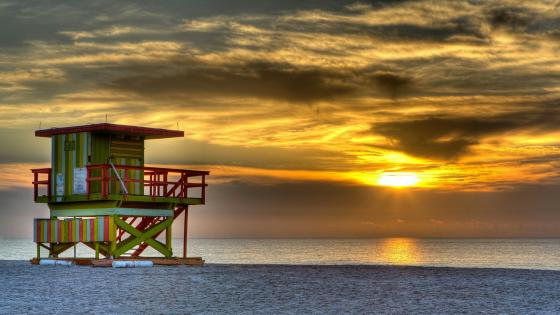 Miami Beach Lifeguard Tower in the sunset wallpaper
