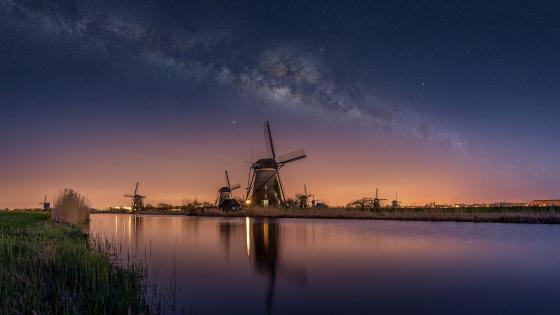 Kinderdijk windmills and Milky Way wallpaper