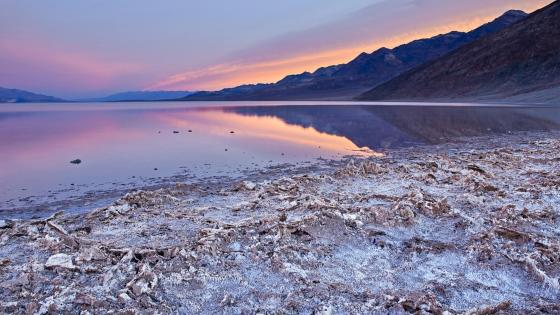 Badwater Basin (Death Valley) wallpaper