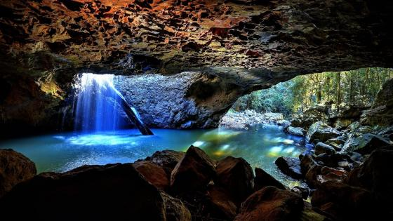Cave waterfall at Natural Bridge, Springbrook National Park wallpaper