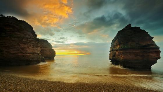 Ladram Bay sunrise (England) wallpaper
