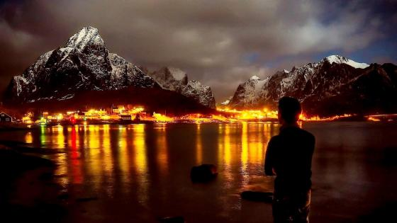 Reine overlook at night wallpaper