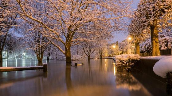 Marne in flood under the snow wallpaper