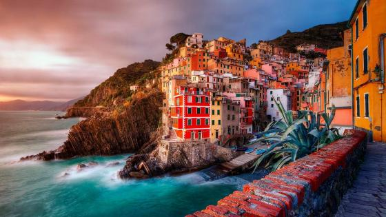 Manarola, Italy wallpaper
