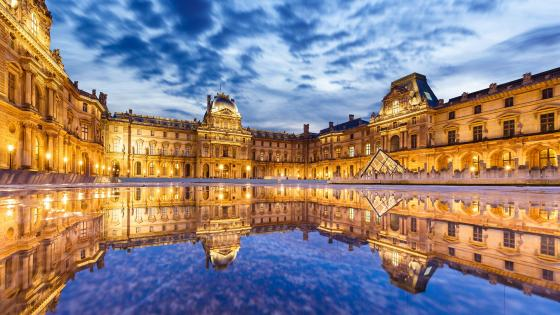 Louvre Museum reflecting pool wallpaper