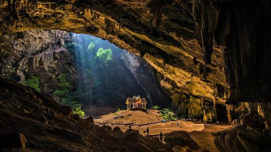Phraya Nakhon Cave, Khao Sam Roi Yot National Park wallpaper