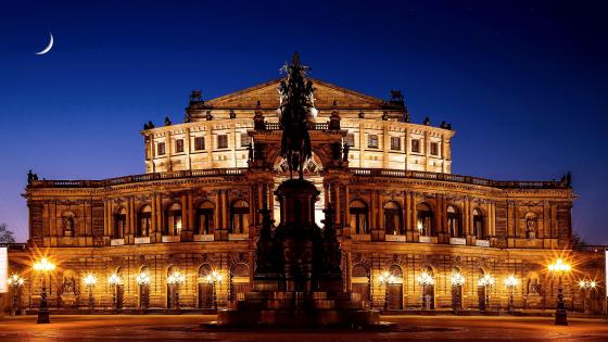 Dresden Semperoper Opera House wallpaper