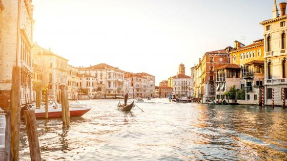 Gondola in Venice wallpaper
