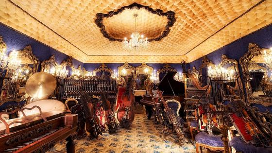 The Blue Room in House on the Rock, Wisconsin wallpaper